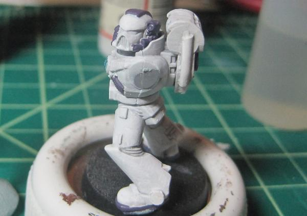 [Thumb - Test Model - White Base - Step 8 - Body - Hormagaunt Purple.JPG]
