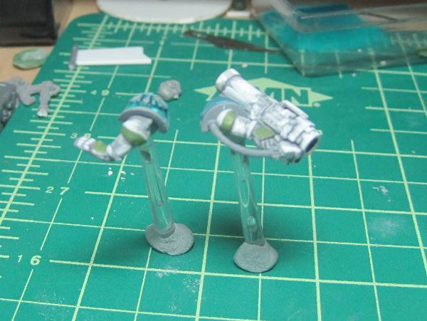 [Thumb - Test Model - Gray Base - Step 12 - Arms - Knarloc Green.JPG]