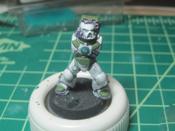 [Thumb - Test Model - Gray Base - Step 12 - Body - Knarloc Green.JPG]