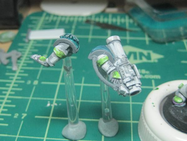 [Thumb - Test Model - Gray Base - Step 15 - Arms - White.JPG]