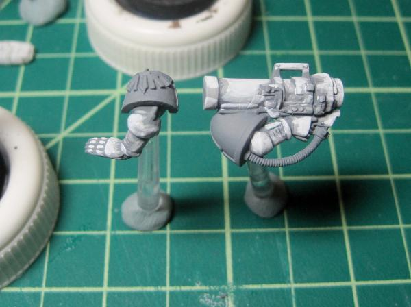 [Thumb - Test Model - Gray Base - Step 2 - Arms - White.JPG]